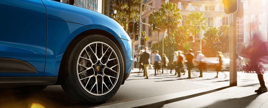 2018 Porsche Macan Front Exterior Close up of Wheel